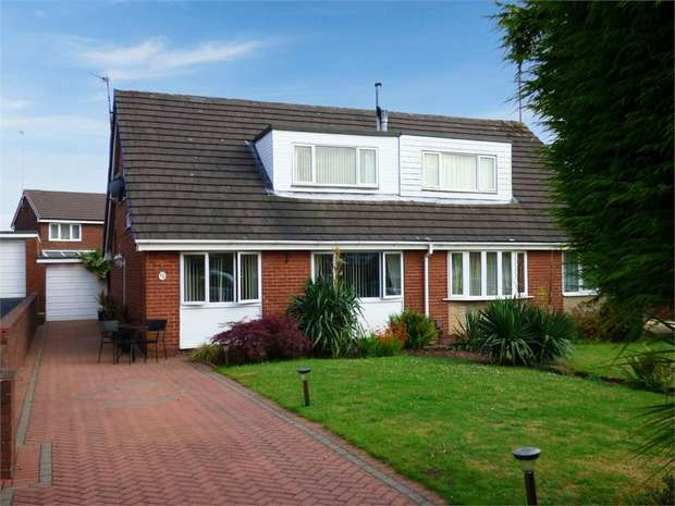 4 Bedrooms Semi Detached Bungalow for sale in Eskdale Close, Beechwood, Runcorn, Cheshire