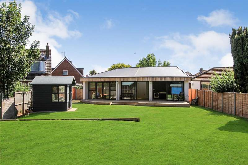 2 Bedrooms Detached Bungalow for sale in Princess Close, Tankerton, Whitstable