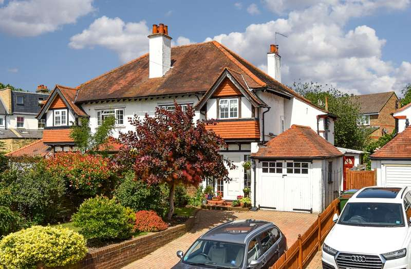 4 Bedrooms Property for sale in Ditton Hill Road, Surbiton