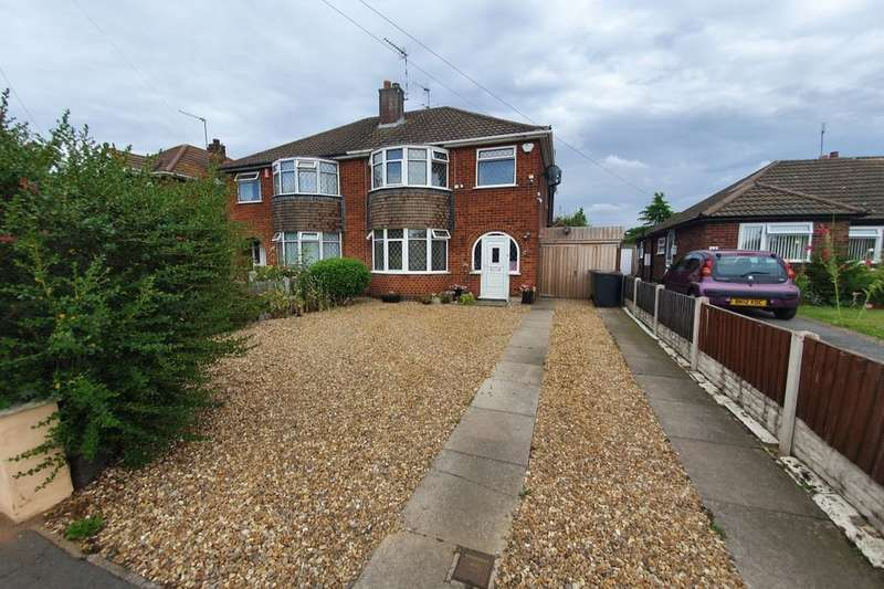 4 Bedrooms Semi Detached House for sale in Morland Close, Bulkington, Bedworth, CV12