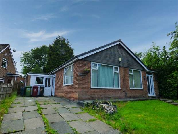 2 Bedrooms Detached Bungalow for sale in Church Walk, Farnworth, Bolton, Lancashire