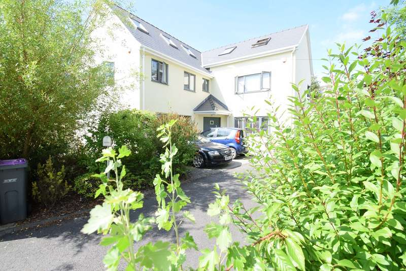 4 Bedrooms Detached House for sale in Parklawn Close, Pontnewydd, Cwmbran, NP44