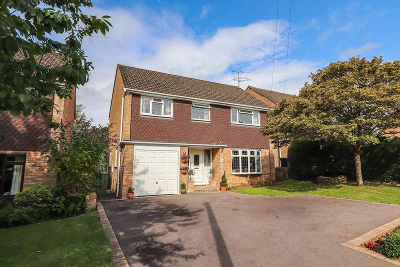 4 Bedrooms Detached House for sale in Gretton Road, Winchcombe
