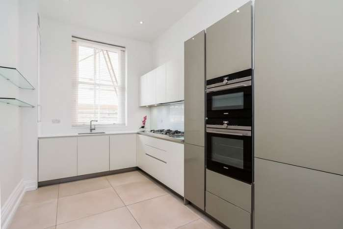 4 Bedrooms Flat for sale in Sandwell Mansions, West End Lane, West Hampstead, London, NW6