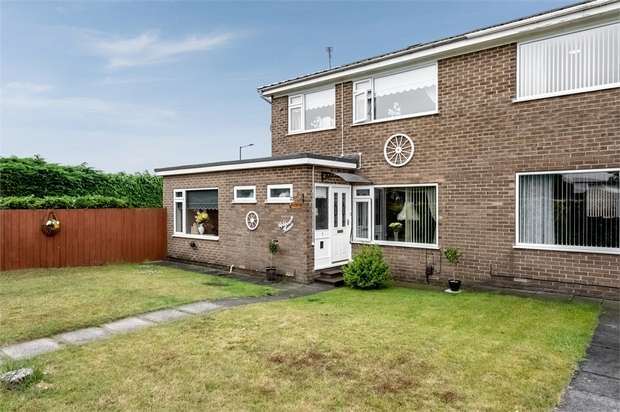 3 Bedrooms Semi Detached House for sale in The Glebe, Stockton-on-Tees, Durham