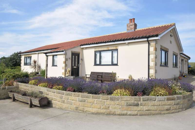 4 Bedrooms Detached Bungalow for sale in Scalby Road, Scarborough, North Yorkshire YO13 0NU