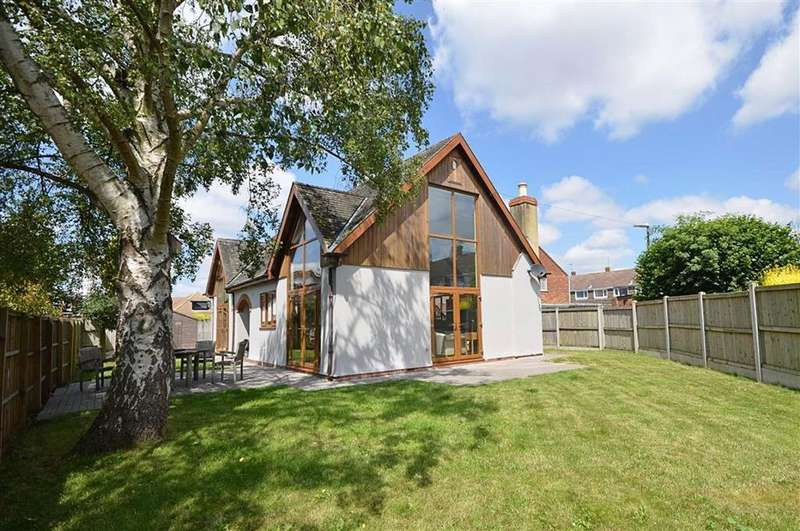 3 Bedrooms Detached House for sale in The New Barn, Cheltenham Road East