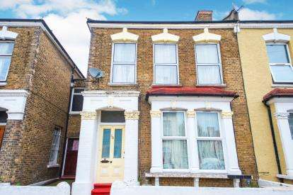4 Bedrooms Terraced House for sale in Ruskin Road, Tottenham, Haringey, London