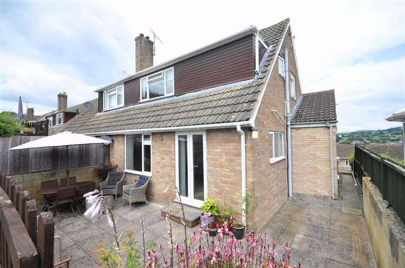 3 Bedrooms Semi Detached House for sale in Castlemead Road, Rodborough