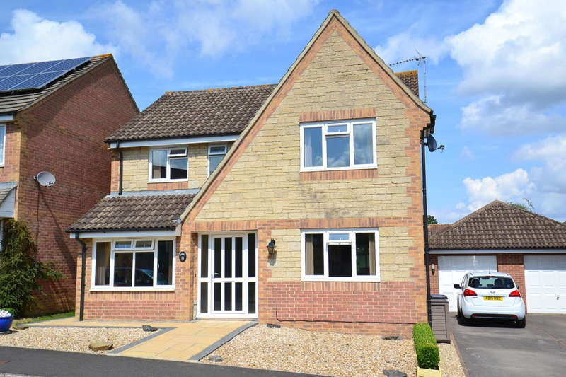 4 Bedrooms Detached House for sale in Wincanton, Somerset, BA9