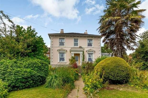 4 Bedrooms Detached House for sale in Station Road, Hythe, Kent