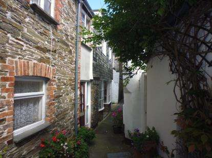 2 Bedrooms Terraced House for sale in Parnell Court, Padstow