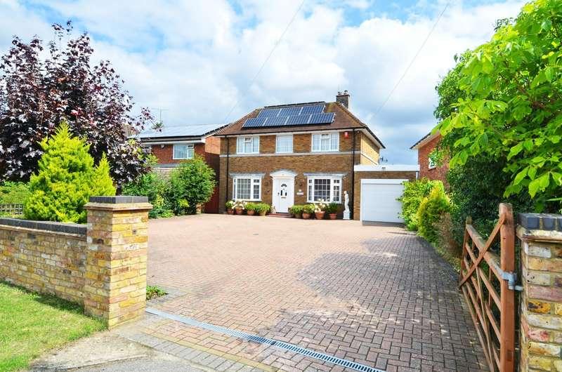 4 Bedrooms Detached House for sale in Sedgmoor Road, Flackwell Heath, HP10