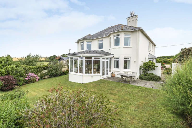5 Bedrooms Detached House for sale in Galmpton Cross