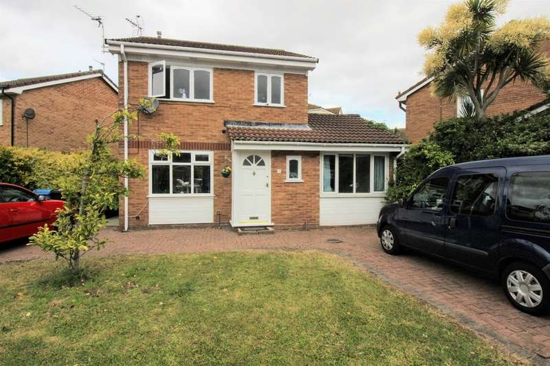 4 Bedrooms Detached House for sale in Harrow Avenue, Fleetwood