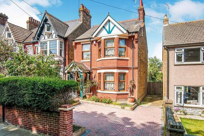 3 Bedrooms Detached House for sale in Hollicondane Road, Ramsgate, CT11