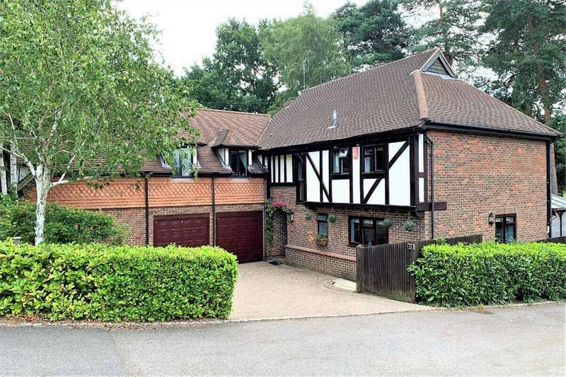 4 Bedrooms Detached House for sale in Youlden Drive, CAMBERLEY, Surrey