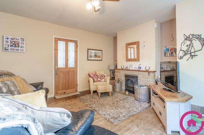 3 Bedrooms Semi Detached House for sale in Village Road, Cheltenham
