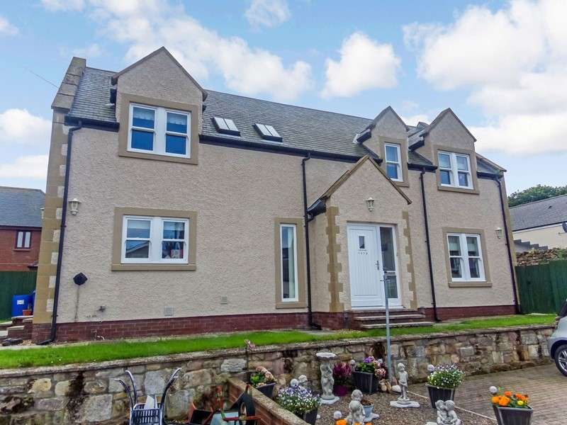 4 Bedrooms Property for sale in Main Street, North Sunderland, Seahouses, Northumberland, NE68 7TT