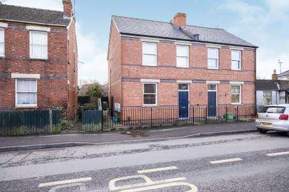 1 Bedroom Flat for sale in Whaddon Road, Cheltenham, Gloucestershire, .