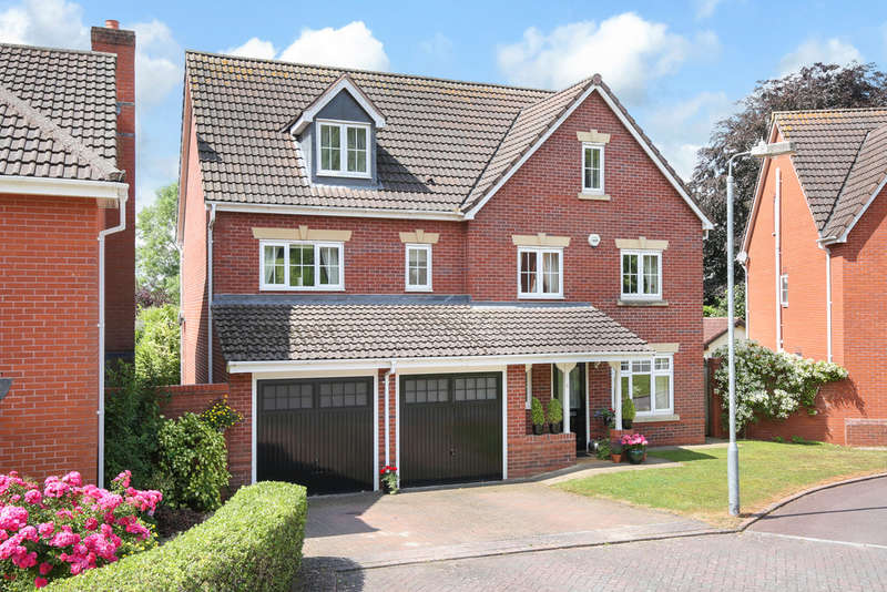 6 Bedrooms Detached House for sale in Queens Chase, Warminster