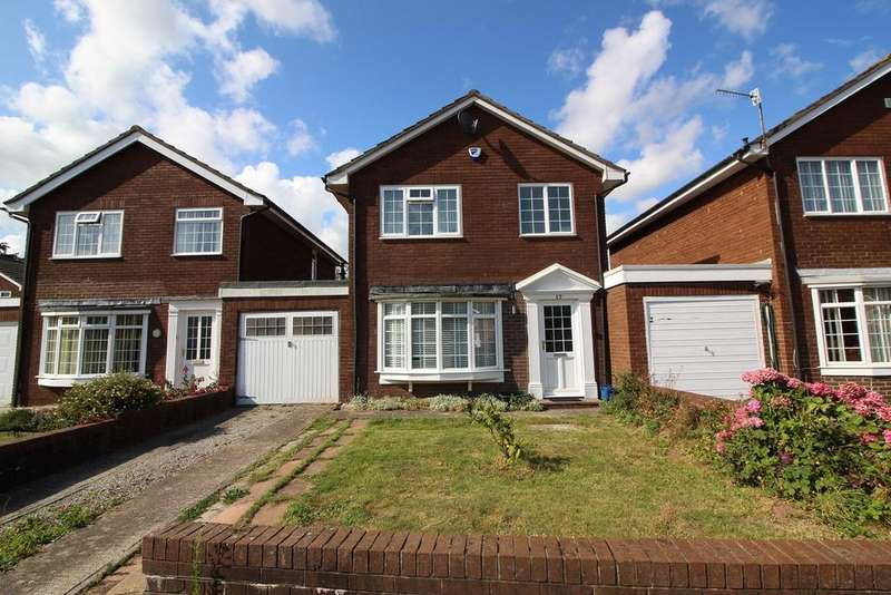 3 Bedrooms Link Detached House for sale in Croesonen Parc, Abergavenny, NP7