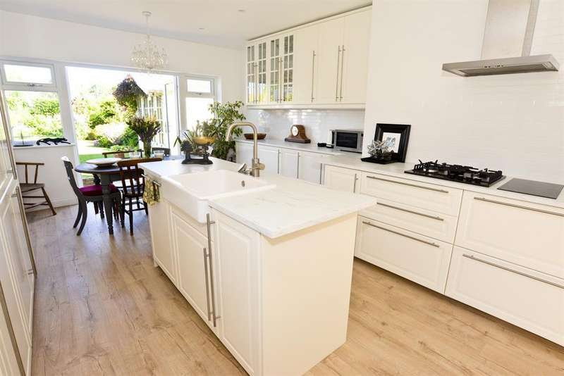 4 Bedrooms Semi Detached House for sale in Cadbury Heath Road, Bristol, BS30 8BX