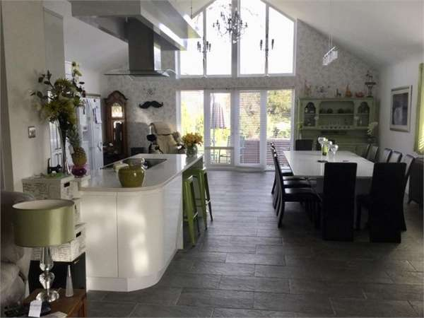 5 Bedrooms Chalet House for sale in Coppins Lane, Sittingbourne
