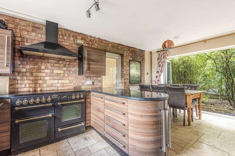 4 Bedrooms Detached House for sale in St Johns Road, Slimbridge