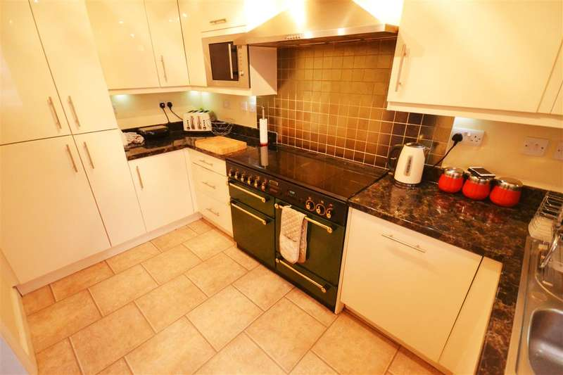 5 Bedrooms End Of Terrace House for sale in East Tilbury Road, Linford