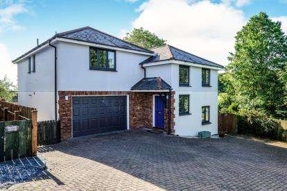 4 Bedrooms Detached House for sale in Padstow, Cornwall, .