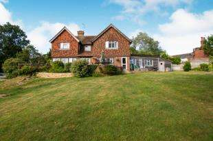 5 Bedrooms Detached House for sale in Lewes Road, Ridgewood, Uckfield, East Sussex