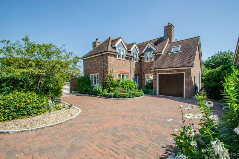 3 Bedrooms Detached House for sale in Little Lane, Pirton, Hitchin, Hertfordshire, SG5
