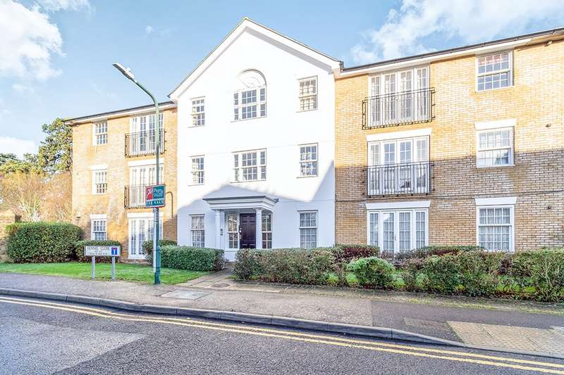 2 Bedrooms Apartment Flat for sale in Fennel Close, Maidstone, Kent, ME16