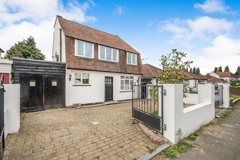 4 Bedrooms Detached House for sale in West Gardens, Epsom, Surrey, KT17