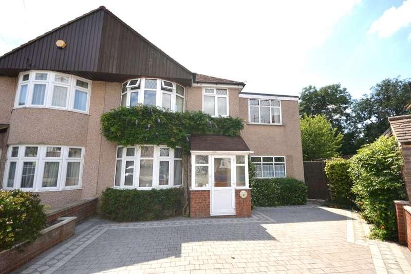 5 Bedrooms Semi Detached House for sale in Lyndhurst Avenue, Whitton, Twickenham, TW2