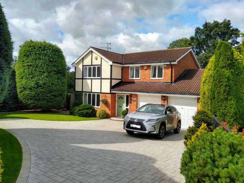 4 Bedrooms Detached House for sale in ENSUITE TO MASTER. CUL DE SAC LOCATION in HP1.