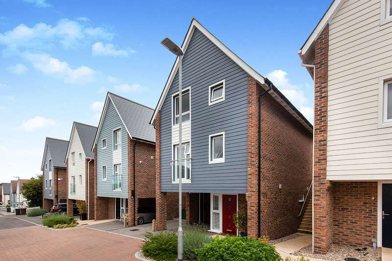 4 Bedrooms Detached House for sale in Peacocke Way, Rye, East Sussex, TN31