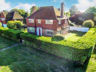 5 Bedrooms Semi Detached House for sale in Madeira Road, Littlestone, New Romney, Kent