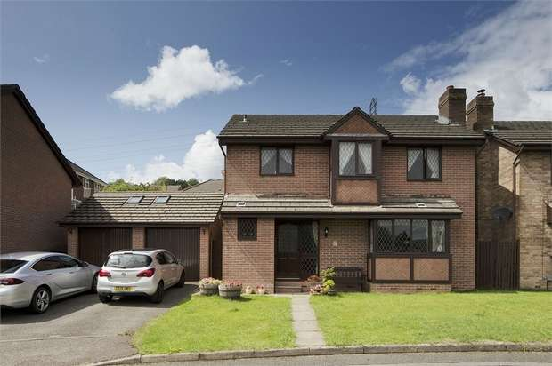 4 Bedrooms Detached House for sale in Hawkes Ridge, Ty Canol, Cwmbran, Torfaen