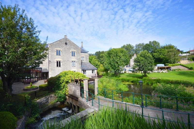 3 Bedrooms Apartment Flat for sale in Victoria House, Dapps Hill, Keynsham, BS31