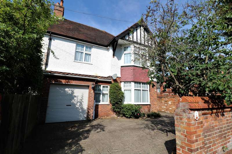 4 Bedrooms Semi Detached House for sale in Maitland Road, Reading
