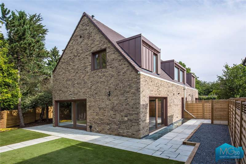 4 Bedrooms Detached House for sale in Arkley Gate, Barnet Road, Arkley, Barnet, EN5