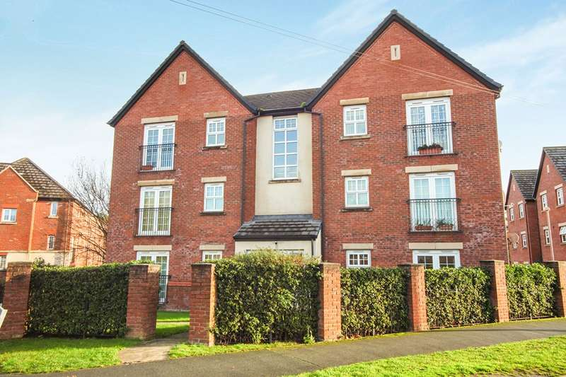 2 Bedrooms Apartment Flat for sale in Queens Court Regency Walk, Middlewich, Cheshire, CW10