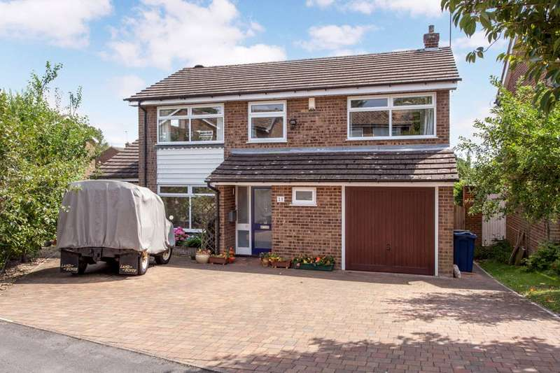 4 Bedrooms Detached House for sale in Juniper Road, Marlow Bottom, Buckinghamshire, SL7