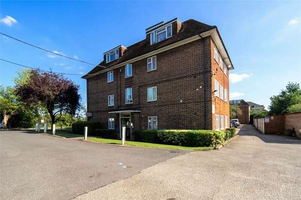 1 Bedroom Flat for sale in High Road, London