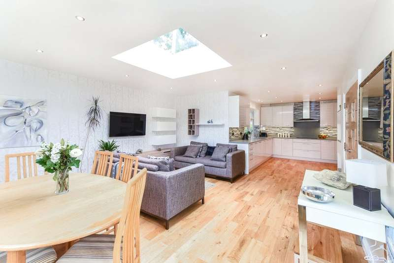 5 Bedrooms Detached House for sale in St. Johns Road, Penn, Buckinghamshire, HP10