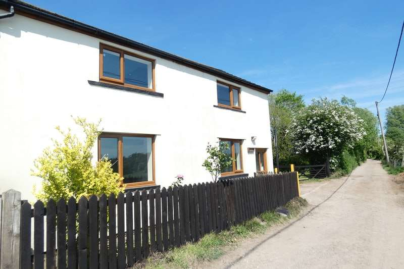 3 Bedrooms Cottage House for sale in Acre, Chadderton, Greater Manchester, OL1