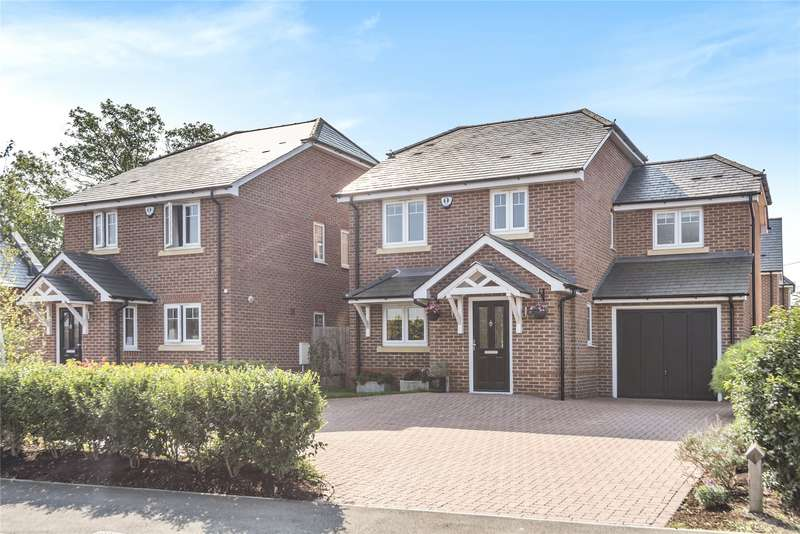4 Bedrooms Detached House for sale in Grazeley Road, Three Mile Cross, Reading, Berkshire, RG7