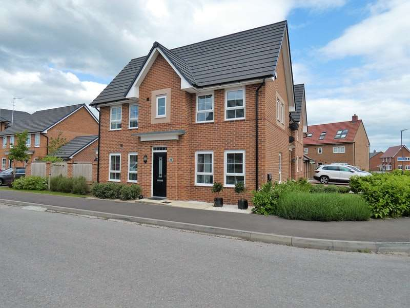 3 Bedrooms Detached House for sale in Honeysuckle Drive, Nantwich, Cheshire, CW5